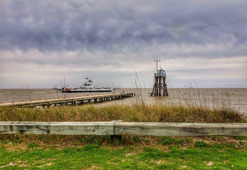 Ilha Dauphin em um dia de overcast fotos de stock