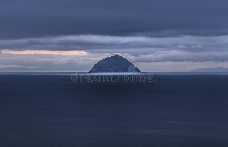 Ilha de Ailsa Craig fotos de stock royalty free