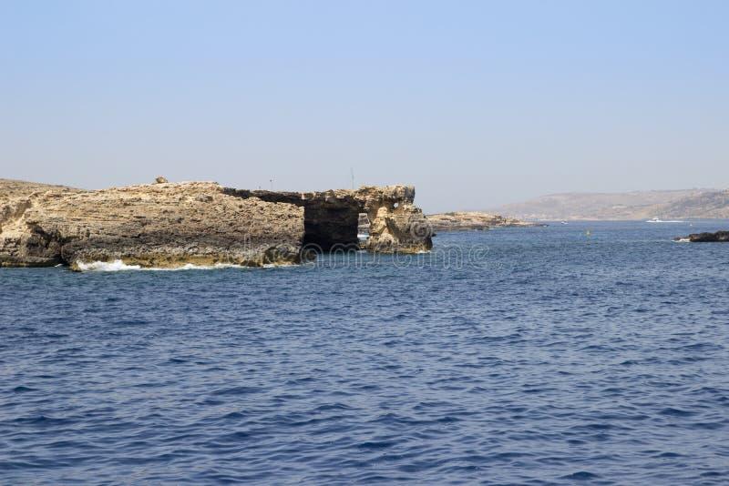 Ilha de Comino perto da ilha de Gozo, Malta imagem de stock