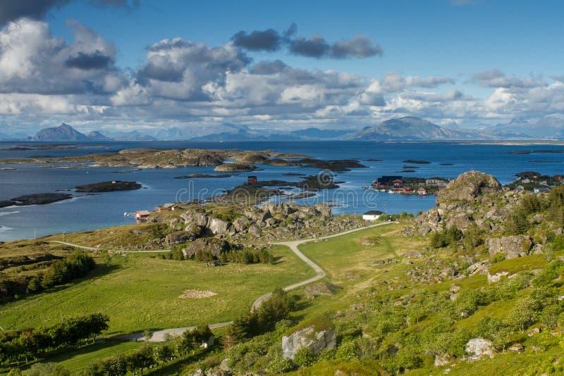 Ilha de Lovund em Noruega imagem de stock