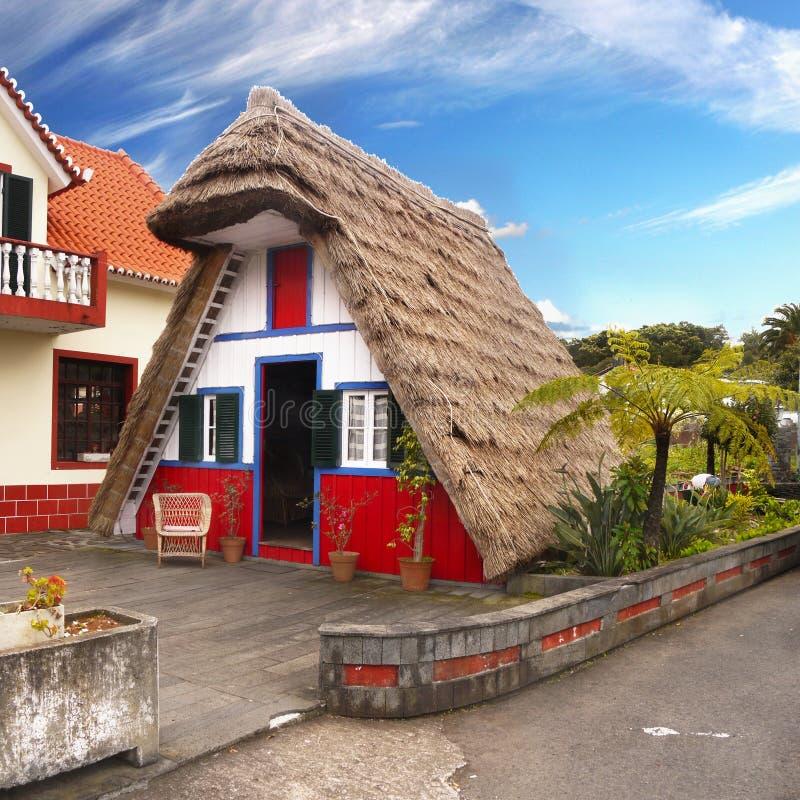Ilha de Madeira, casas velhas de Santana, Portugal fotografia de stock