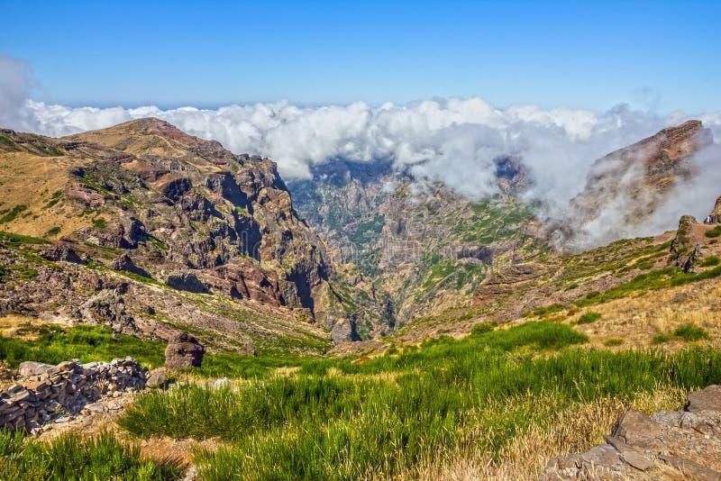 Ilha de Madeira, Portugal Ariero máximo, Pico Arierio La da montanha imagens de stock royalty free