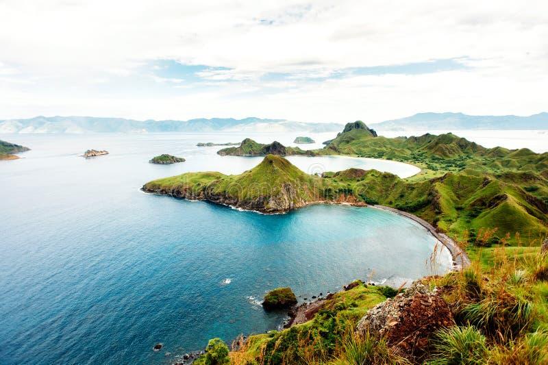 Ilha de Padar, parque nacional de Komodo em Nusa do leste Tenggara, Indonésia foto de stock