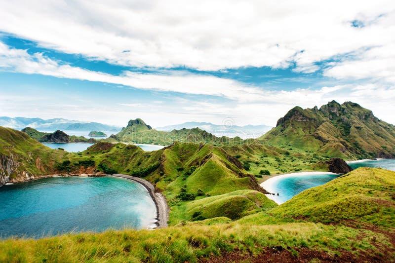 Ilha de Padar, parque nacional de Komodo em Nusa do leste Tenggara, Indonésia imagem de stock royalty free