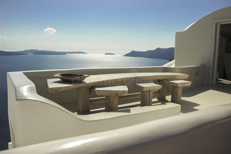 Ilha de Santorini e casas brancas imagem de stock