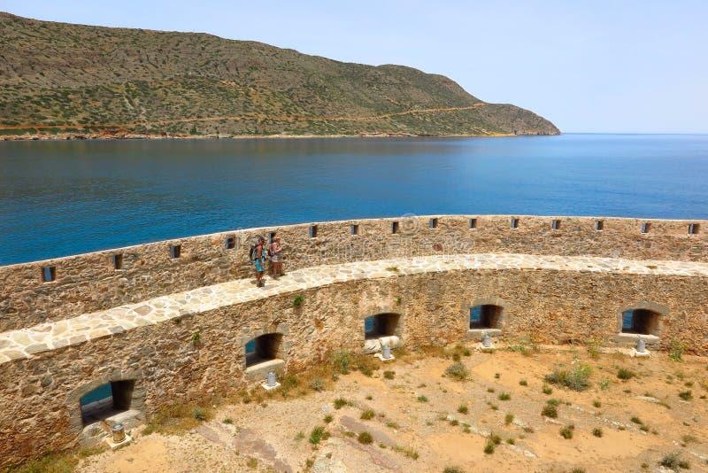 Ilha de Spinalonga, Creta, paredes da fortaleza de Grécia fotografia de stock