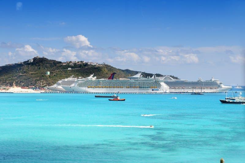 Ilha de St Martin com porto imagens de stock