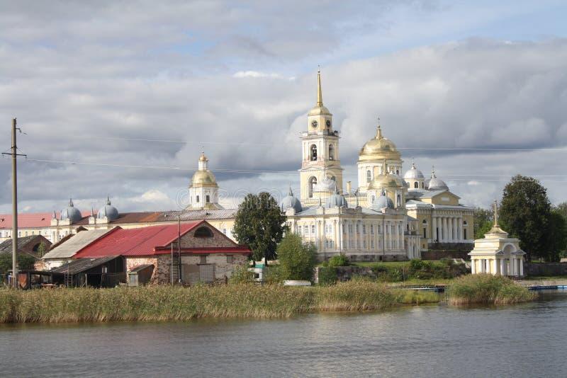 Ilha de Stolobny, monastério de Nilov, lago Seliger em Rússia fotografia de stock royalty free