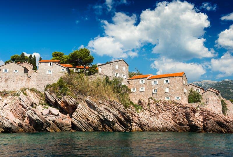 Ilha de Sveti Stefan, Montenegro, mar de adriático imagem de stock royalty free