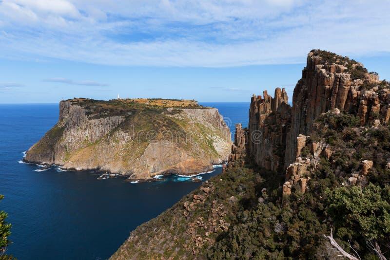 Ilha de Tasman e a l?mina, Tasm?nia, Austr?lia fotografia de stock royalty free