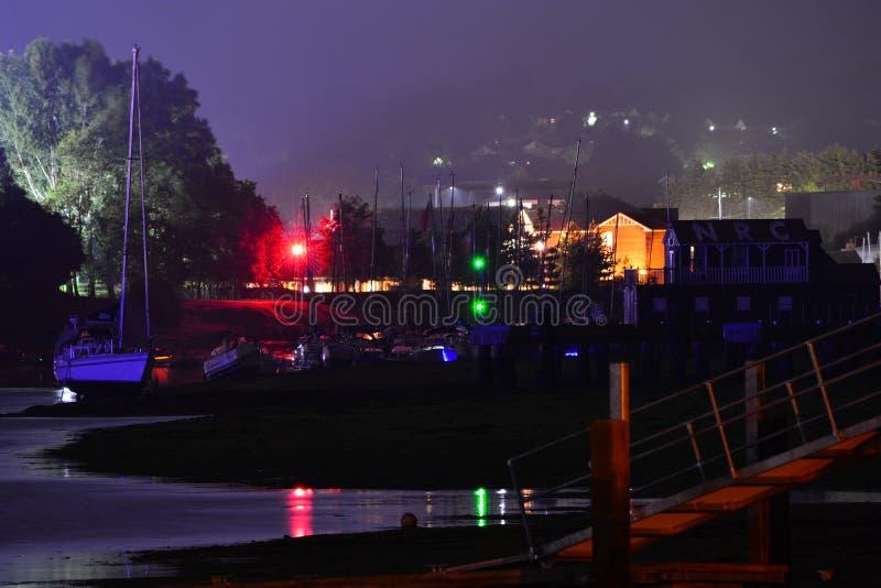 Ilha do palco principal do festival do Wight na noite foto de stock