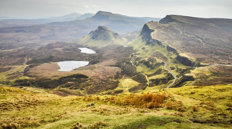 Ilha do skye, cenário das montanhas de Quiraing, paisagem cênico de Escócia, Grâ Bretanha imagens de stock royalty free