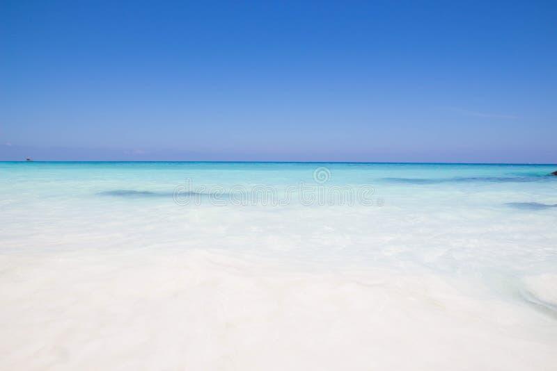 ilha do tachai, mar em Tailândia imagens de stock royalty free