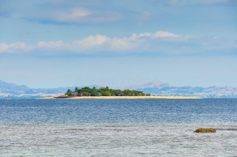 Download Ilha Do Vagabundo De Praia Em Fiji Foto de Stock - Imagem de árvore, praia: 80100252