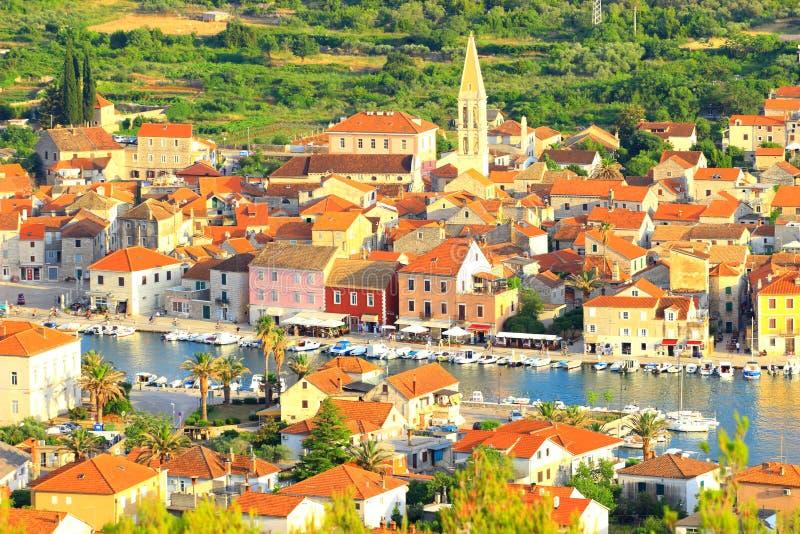 Ilha na Croácia, cidade de Hvar de Starigrad, vista panorâmica foto de stock royalty free