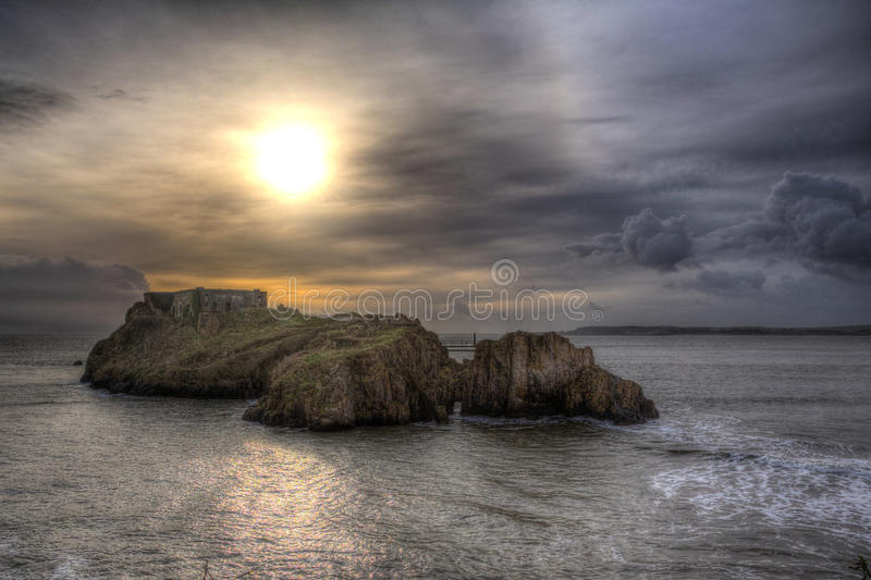 Ilha Tenby Gales do St Catherines em HDR foto de stock