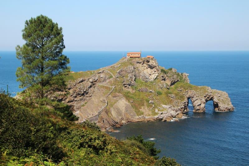 Ilhota de Gaztelugatxe, Espanha foto de stock royalty free