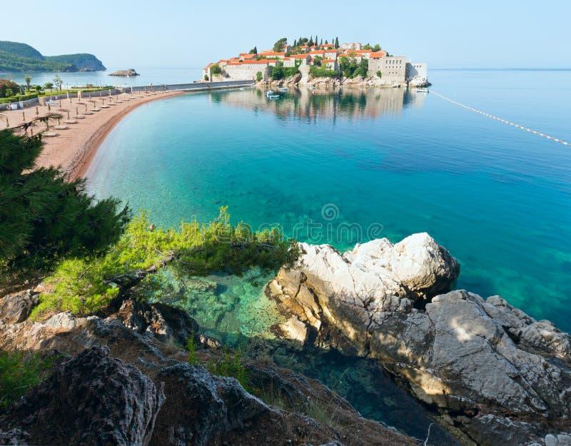 Ilhota do mar de Sveti Stefan (Montenegro) fotos de stock