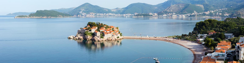 Ilhota do mar de Sveti Stefan (Montenegro) foto de stock royalty free