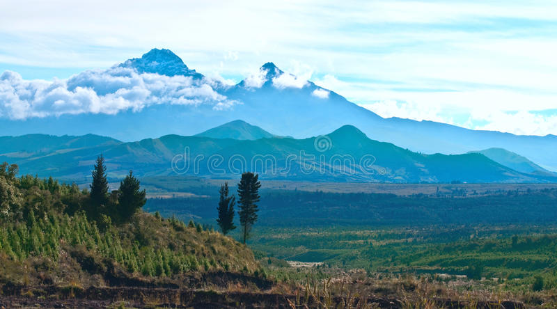 Ilinizas wulkany, Andes. Ekwador obrazy royalty free