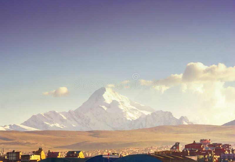 Illimani góra losem angeles Paz w Boliwia zdjęcie royalty free