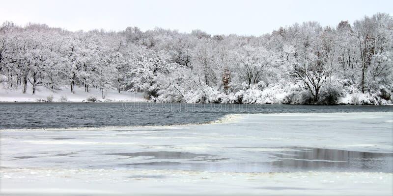 illinois jezioro przebija opad śniegu obraz royalty free