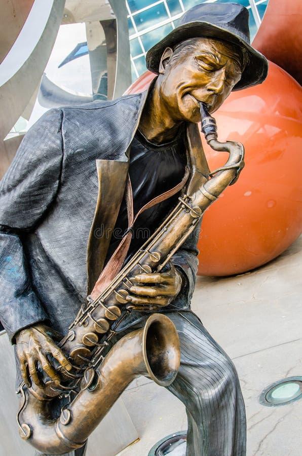 Illumina Art Sculptures, Jazz Blues Saxaphone Player fotos de stock