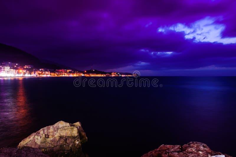 Illumination insulaire d'Evenfall de paysage photos stock
