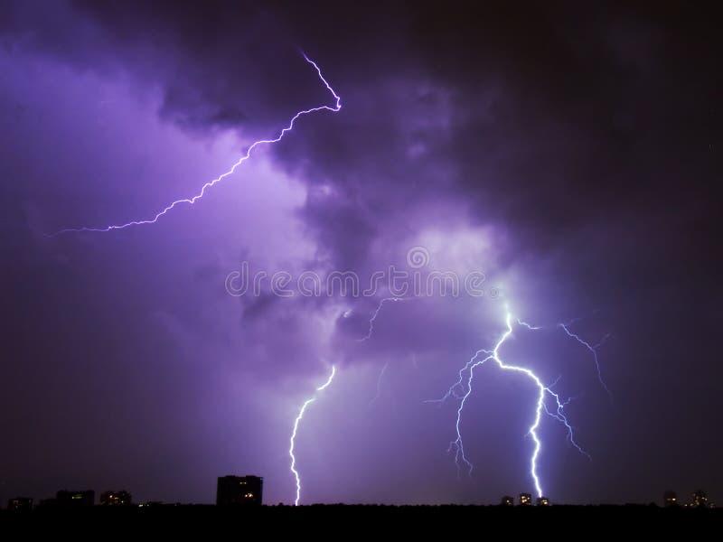 Download Illuminazione immagine stock. Immagine di scuro, atmosferico - 218763