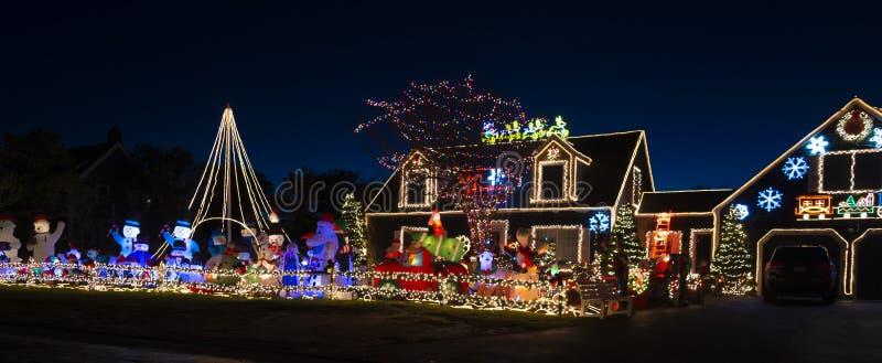 Illuminazione della casa di Natale di Nantucket immagini stock