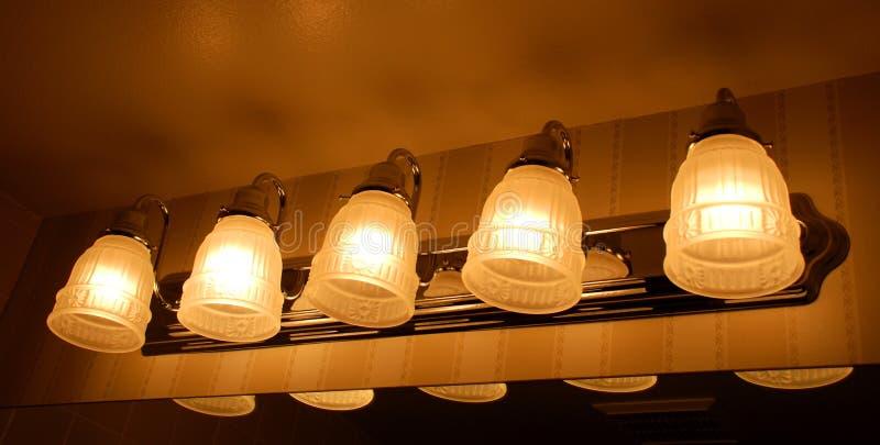 Illuminazione di vanità della stanza da bagno fotografia stock libera da diritti