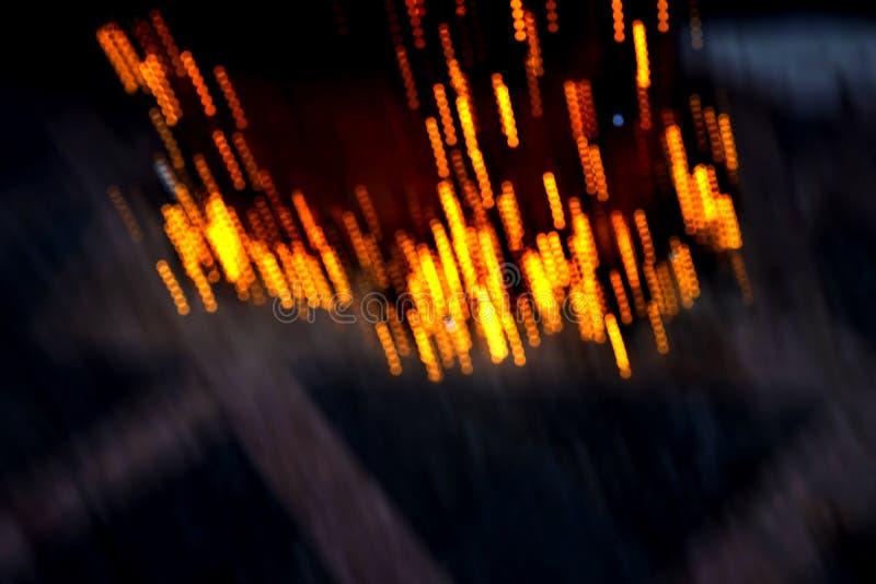 Illuminazione serale nella città notturna immagine stock libera da diritti