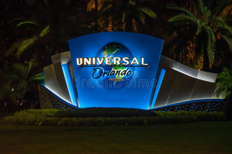 Illumini il logo universale di Orlando al boulevard universale immagine stock
