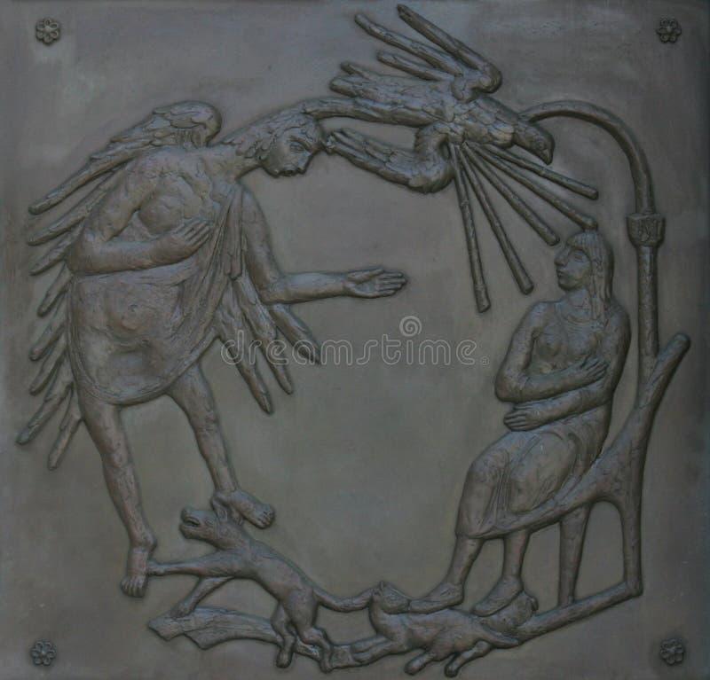 Illustraties van verhalen van de Bijbel op deurenbasiliek van de Aankondiging in Nazareth royalty-vrije stock foto's