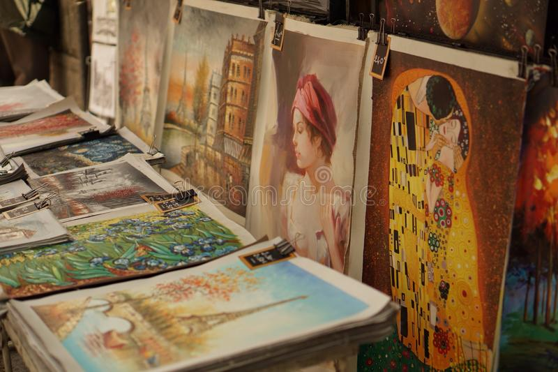 Illustration à vendre sur les rues de Paris photos stock