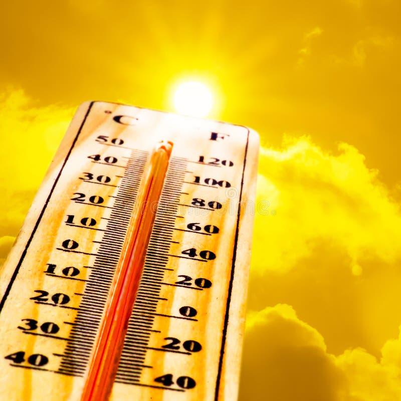 17 Termometer Med Solen Foton Gratis och royaltyfria