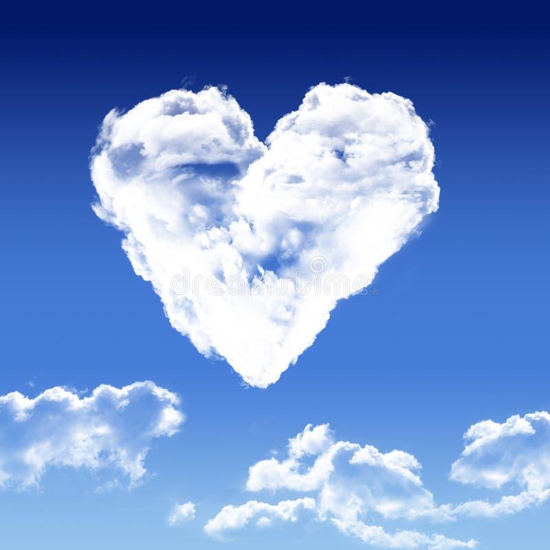 Coeur en forme de nuage. Illustration coeur nuage ciel bleu printemps dégradé blanc amour ensemble deux royalty free illustration