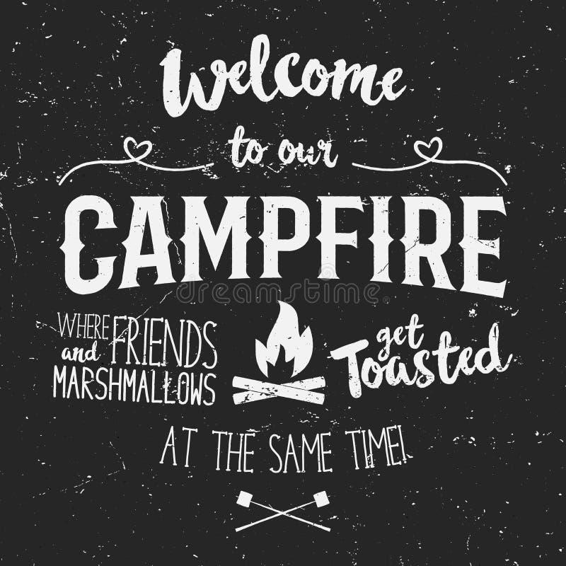 Illustration d'affiche de typographie de vintage avec l'accueil de signe au feu de camp - effet grunge Lettrage drôle avec le cam illustration libre de droits