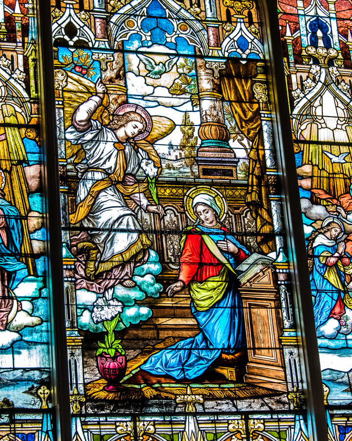 Illustration de catholique en verre souillé image libre de droits