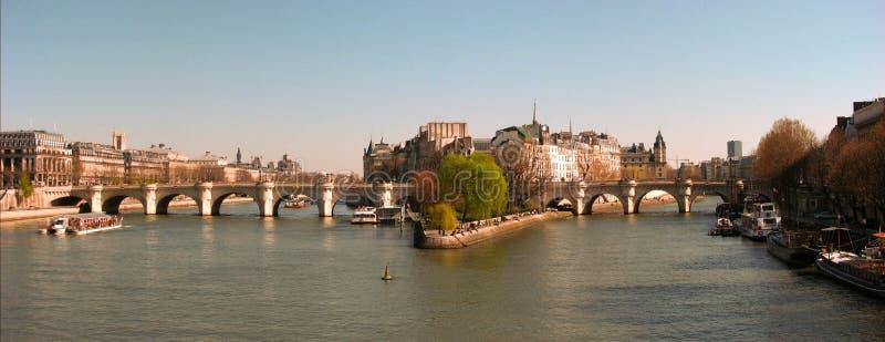 Illustration de panorama de Paris avec la Seine photos libres de droits