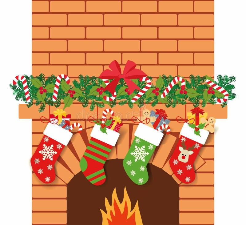 Illustration des chaussettes de Noël avec des cadeaux sur le fond de la cheminée Fond de Noël avec des cadeaux illustration libre de droits