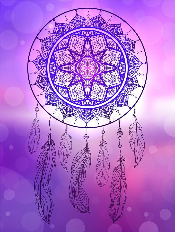 Illustration mystique d'un dreamcatcher avec un modèle de filigrane de boho, plumes avec des perles sur le paysage marin brouillé illustration libre de droits