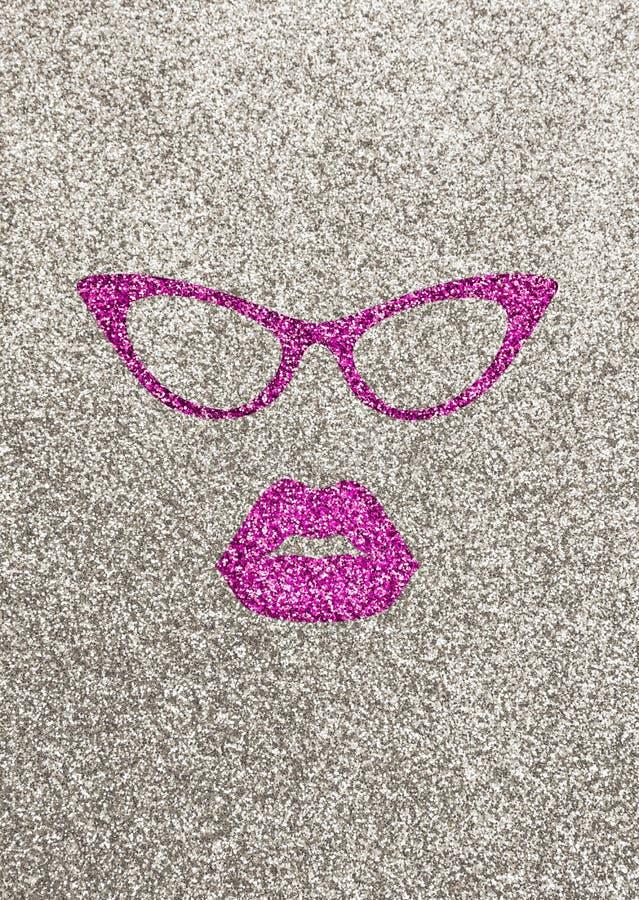 Illustration von rosa Lippen und von Gläsern auf silbernem glittery Hintergrund lizenzfreie stockfotos