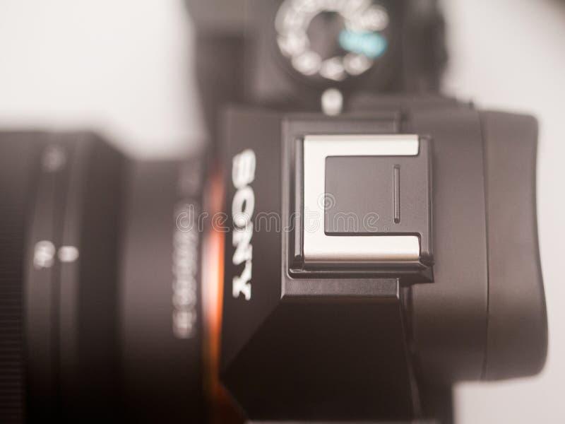 Illustrativa redakt?rs- foto och detaljer av Sony a7 den mirrorless kameran royaltyfri foto