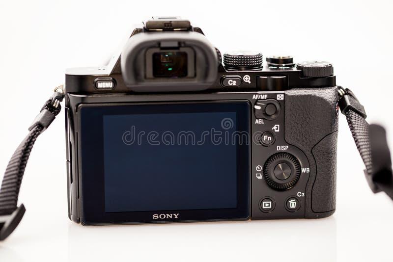 Illustrativa redakt?rs- foto och detaljer av Sony a7 den mirrorless kameran fotografering för bildbyråer