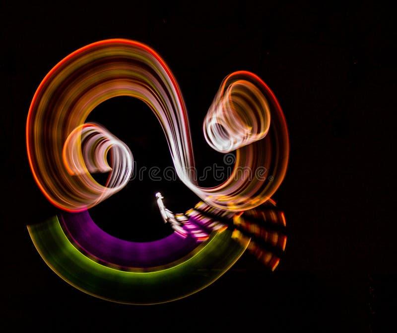illustrazione 3D Alcune luci astratte variopinte su fondo nero Fotografia leggera della pittura fotografie stock libere da diritti