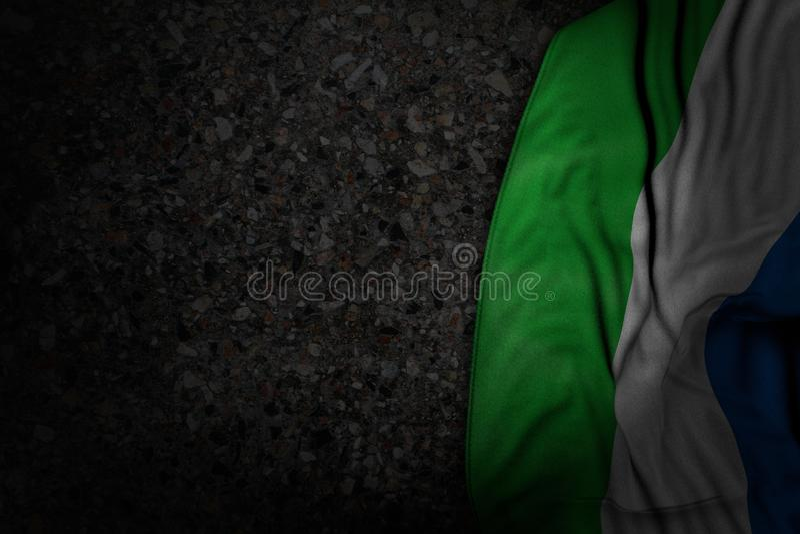 Illustrazione sveglia della bandiera 3d di festa - foto scura della bandiera del Sierra Leone con i grandi popolare su asfalto sc illustrazione vettoriale