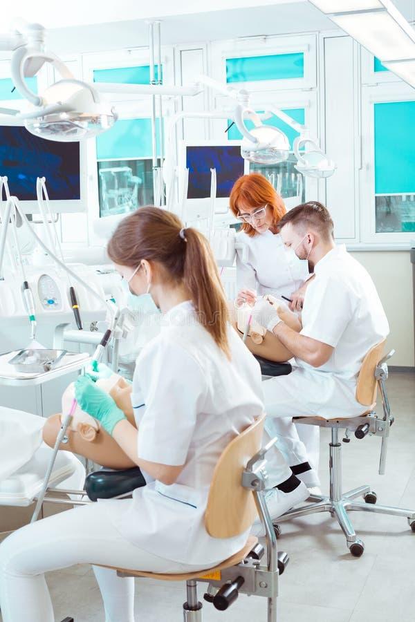 Ils veulent être des dentistes image stock