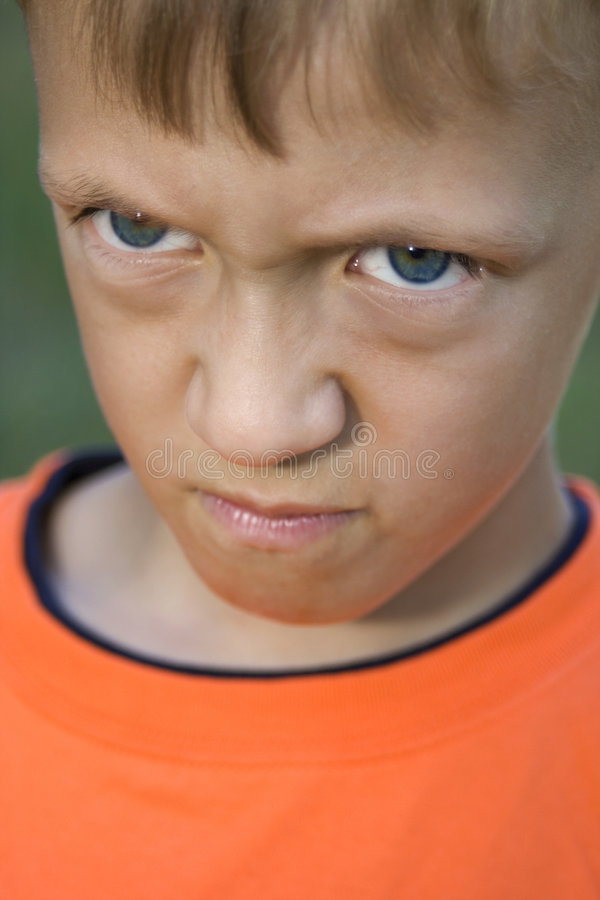 ilsken unge fotografering för bildbyråer