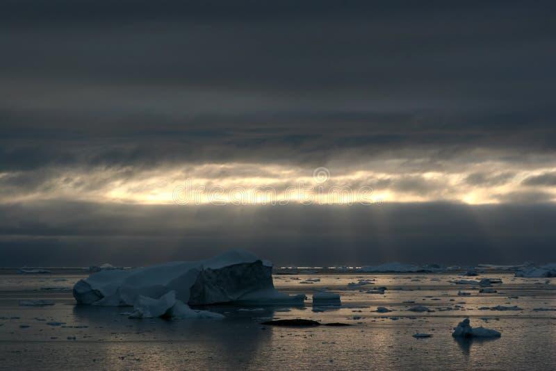 ilulissat айсбергов диско залива стоковое фото rf